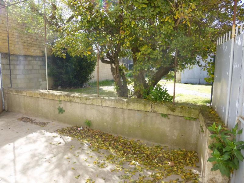 Location maison / villa Entraigues sur la sorgue 862€ CC - Photo 3