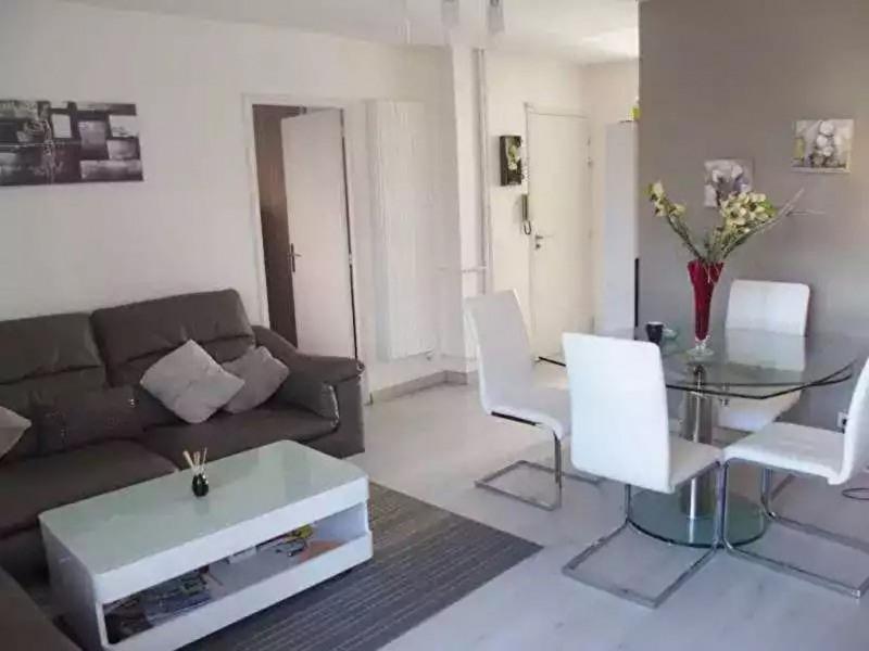 Sale apartment Hyeres 185500€ - Picture 1