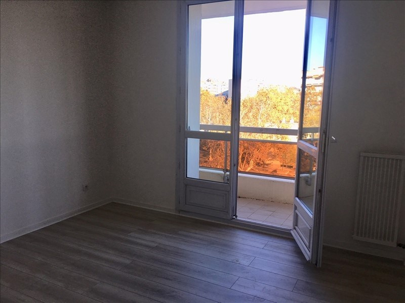 Sale apartment Aix en provence 158 000€ - Picture 2