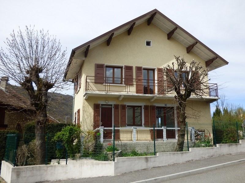 Rental house / villa Gresy sur aix 1160€ CC - Picture 1