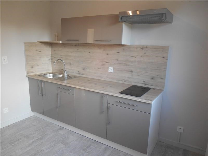 Location appartement Troyes 521€ CC - Photo 2