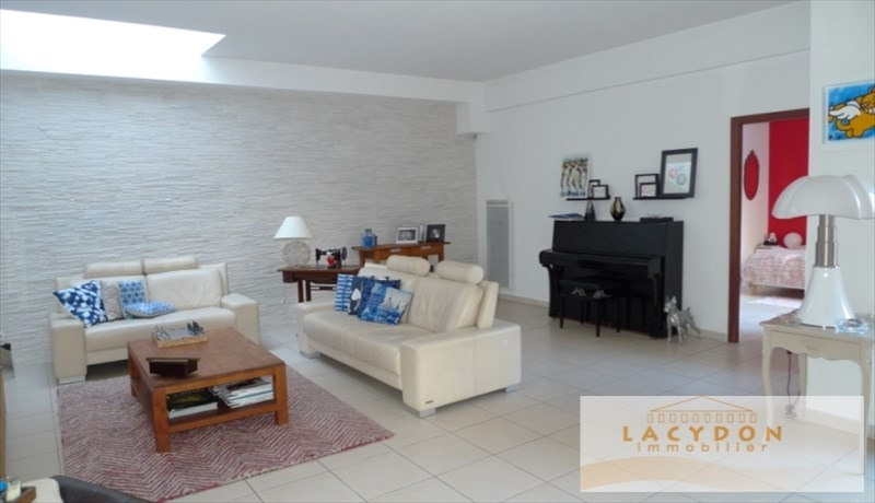 Deluxe sale apartment Marseille 1er 485 000€ - Picture 2