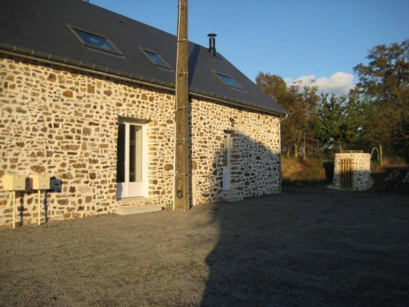 Location maison / villa Saint-pierre-la-cour 560€ CC - Photo 1