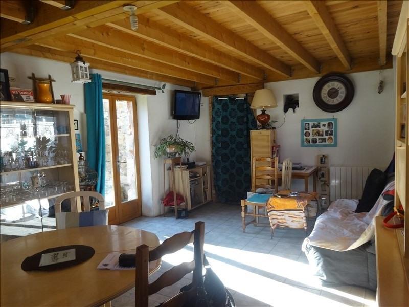 Sale house / villa Montereau 107000€ - Picture 1