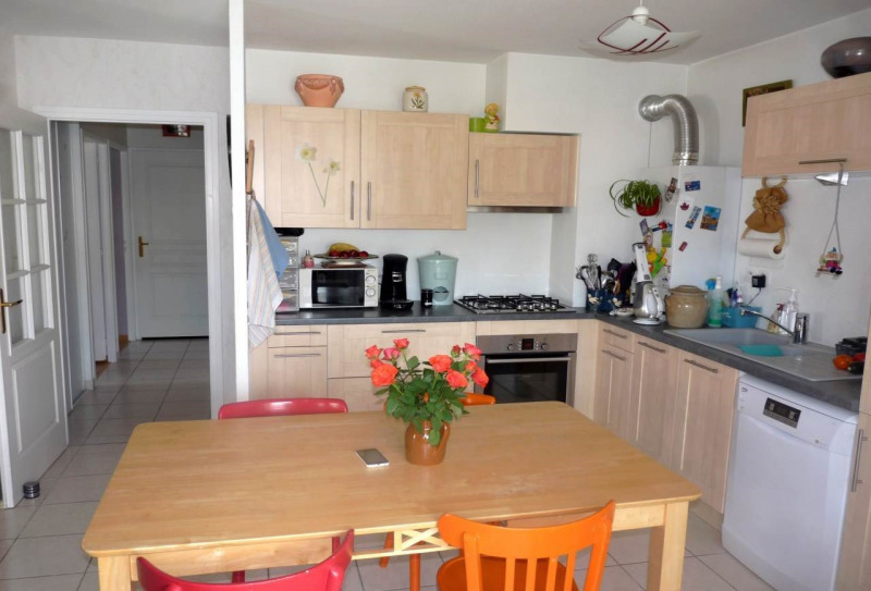 Vente appartement La roche-sur-foron 219 000€ - Photo 2