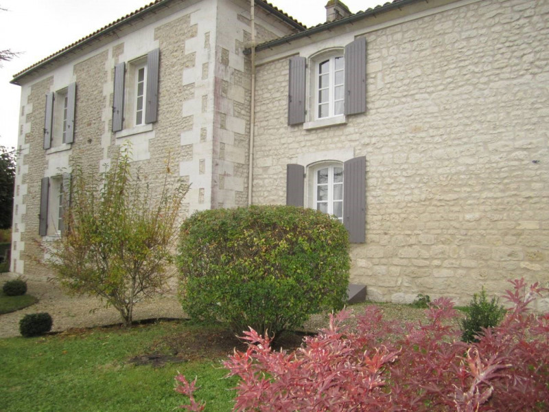 Sale house / villa Barbezieux-saint-hilaire 416 000€ - Picture 2