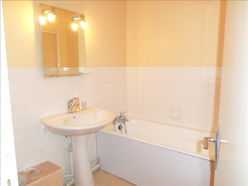 Sale apartment Oyonnax 70000€ - Picture 3