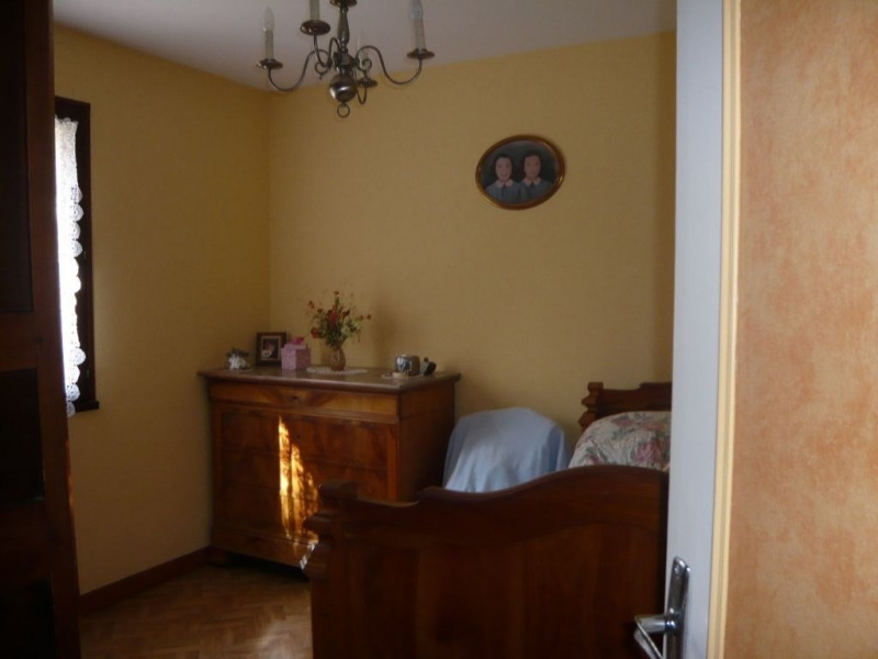 Sale house / villa Saint jean sur erve 70 000€ - Picture 4