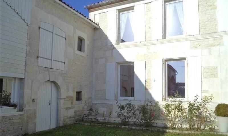 Sale house / villa Juillac-le-coq 243500€ - Picture 3