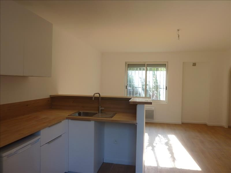 Location appartement Marseille 8ème 650€ CC - Photo 1