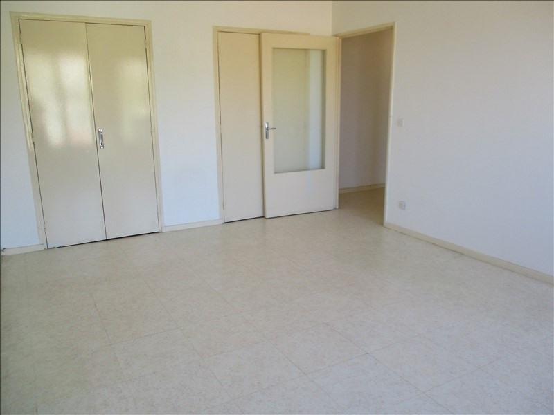 Rental apartment Salon de provence 582€ CC - Picture 2