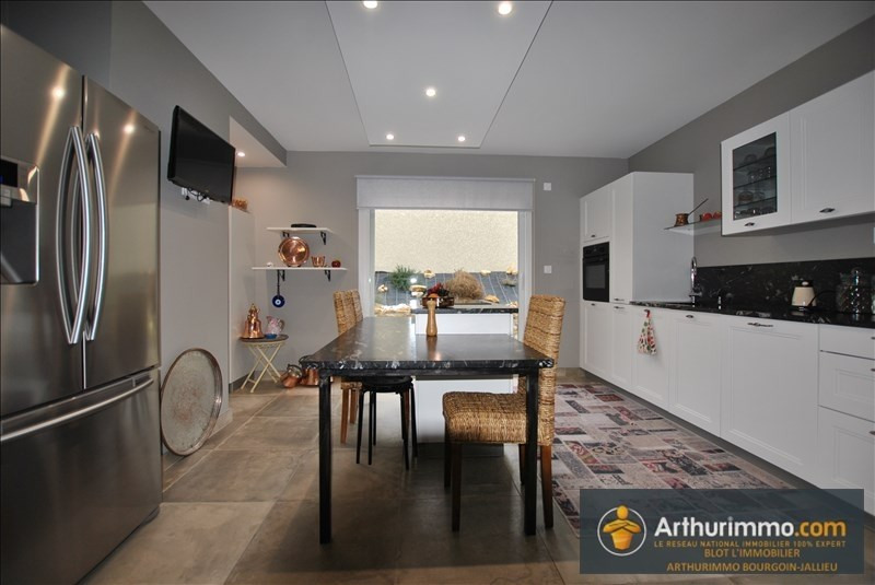Sale house / villa Bourgoin jallieu 378000€ - Picture 2
