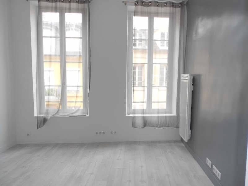 Rental apartment St germain en laye 650€ CC - Picture 1