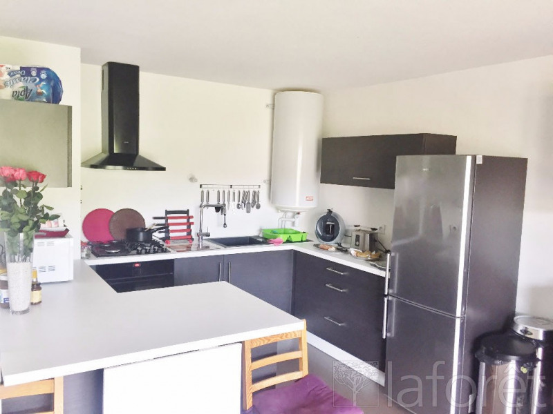 Sale apartment Bourgoin jallieu 157 000€ - Picture 2