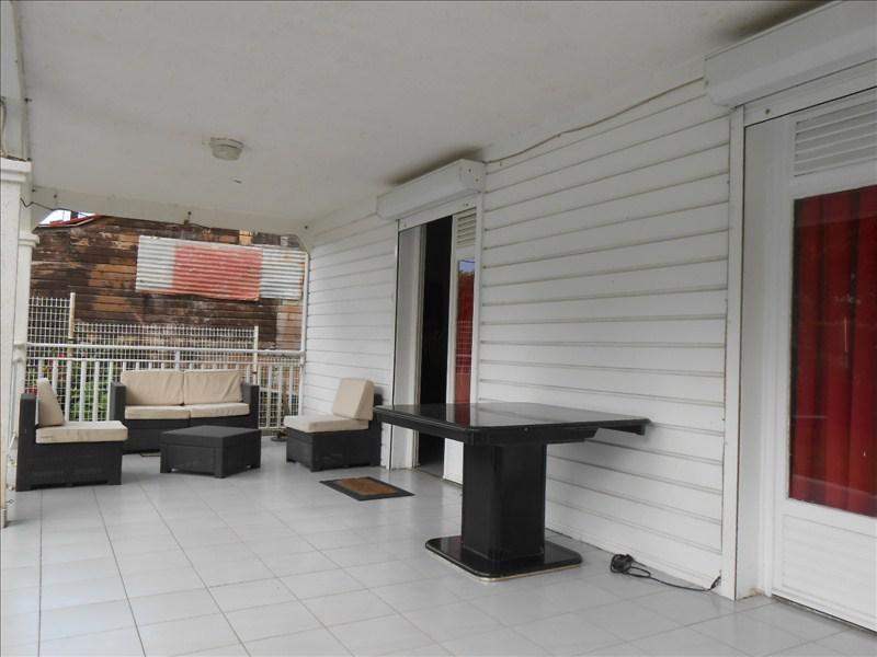 Sale house / villa St claude 270000€ - Picture 4