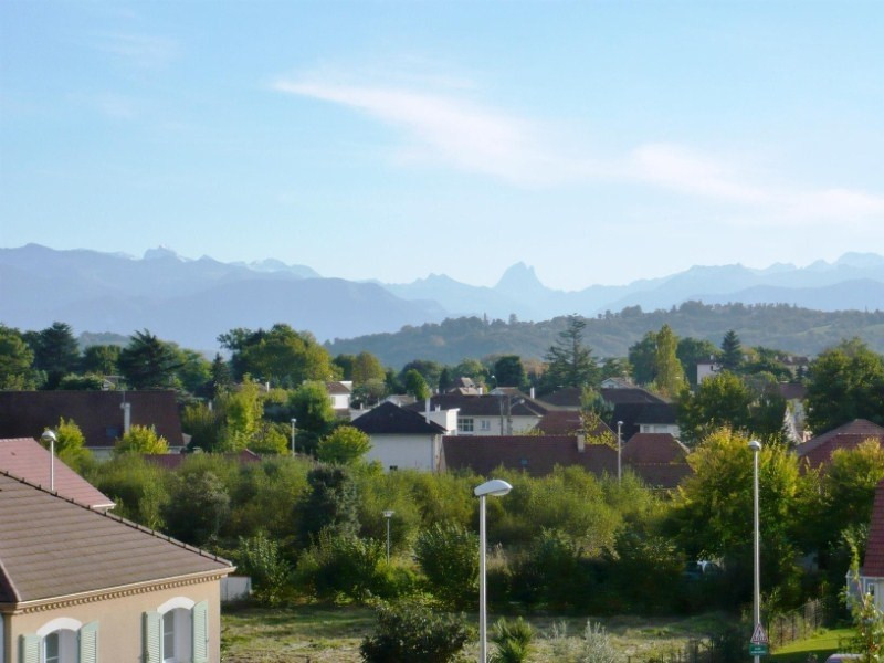 Rental apartment Lons 658€ CC - Picture 2