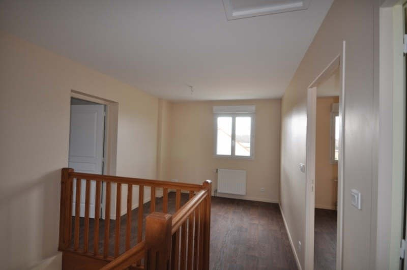 Location maison / villa Villefargeau 723€ CC - Photo 8