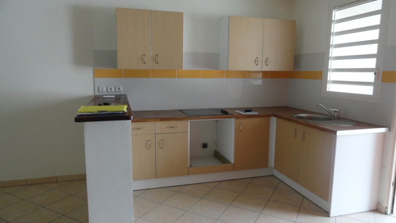 Location appartement Le gosier 725€ CC - Photo 1