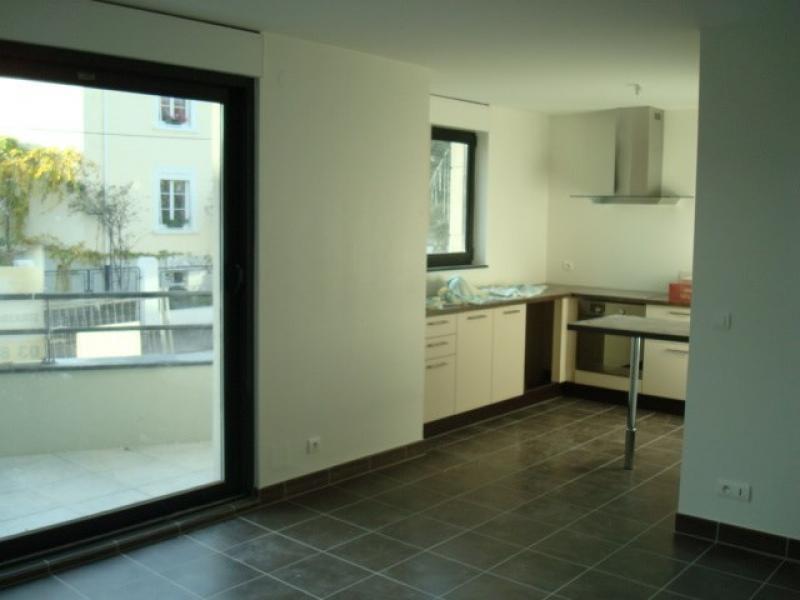 Rental apartment Strasbourg 895€ CC - Picture 2