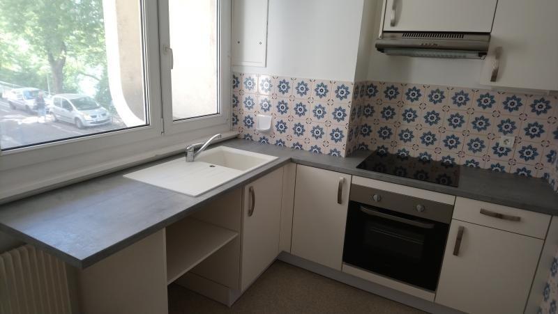 Rental apartment Strasbourg 785€ CC - Picture 2