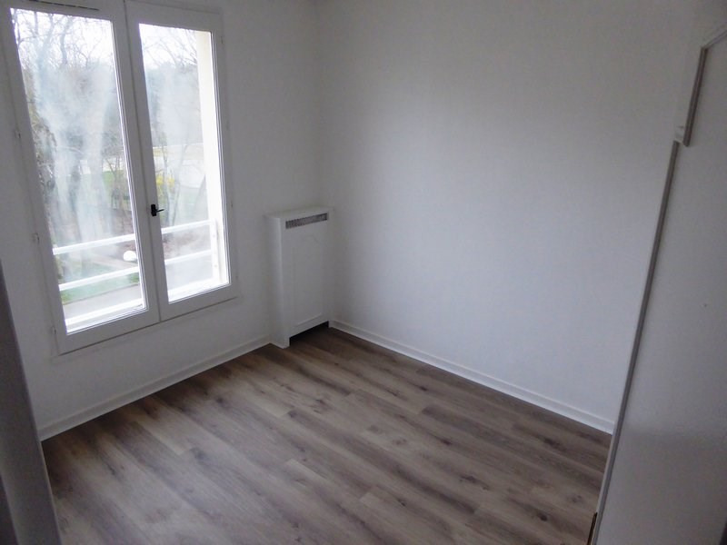 Sale apartment Maurepas 240000€ - Picture 7