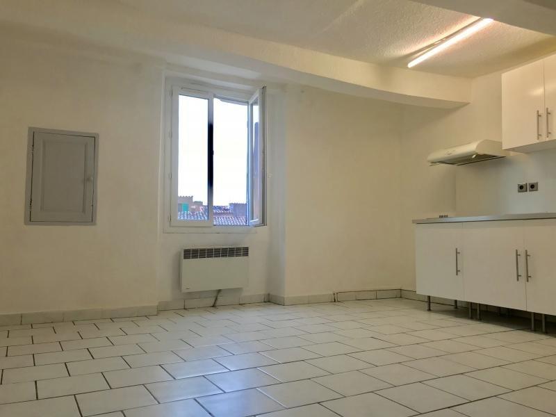 Rental apartment Saint maximin la sainte ba 450€ CC - Picture 1