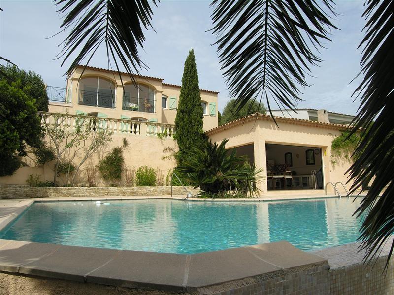 Sale house / villa Saint aygulf 1450000€ - Picture 1