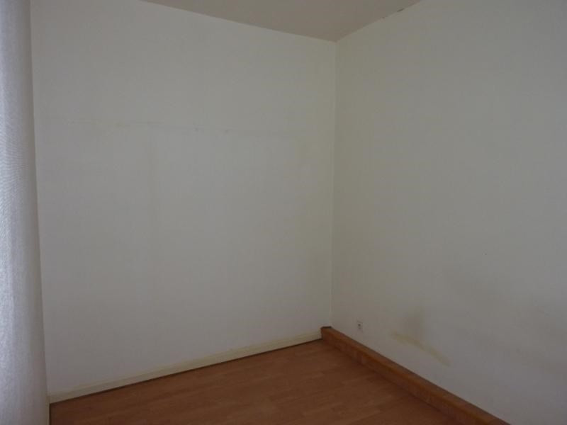 Rental apartment Saintes 377,65€ CC - Picture 3
