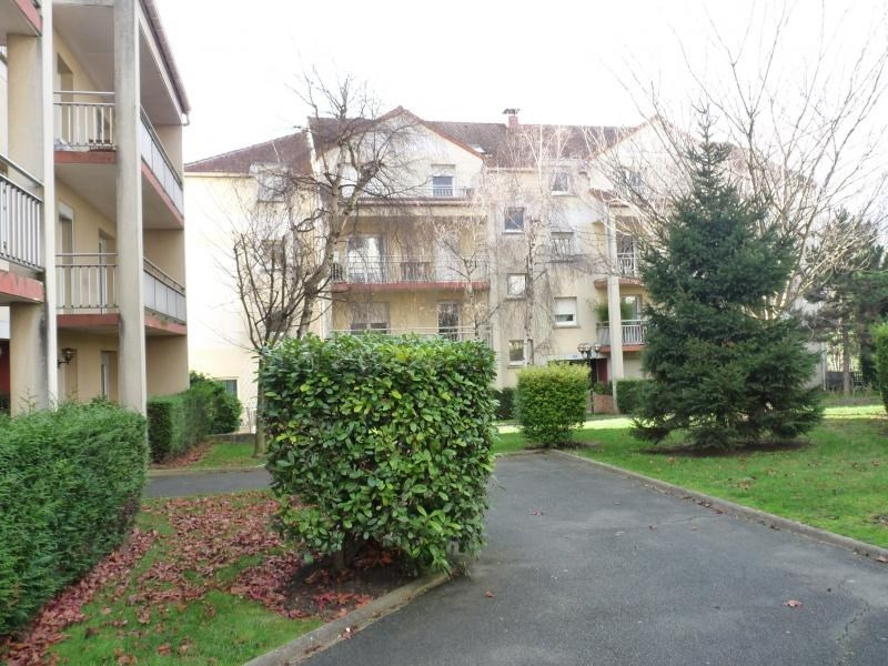 Location appartement Triel sur seine 586€ CC - Photo 1