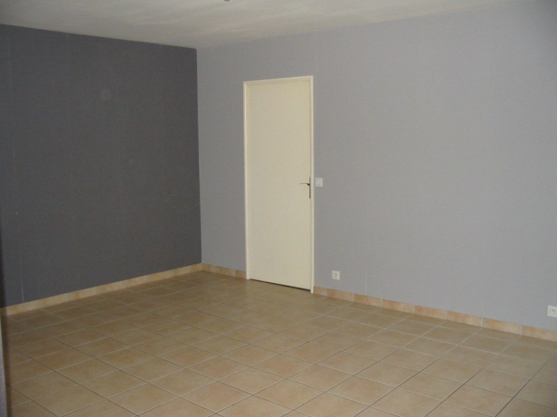 Location appartement Montlhéry 670€ CC - Photo 4