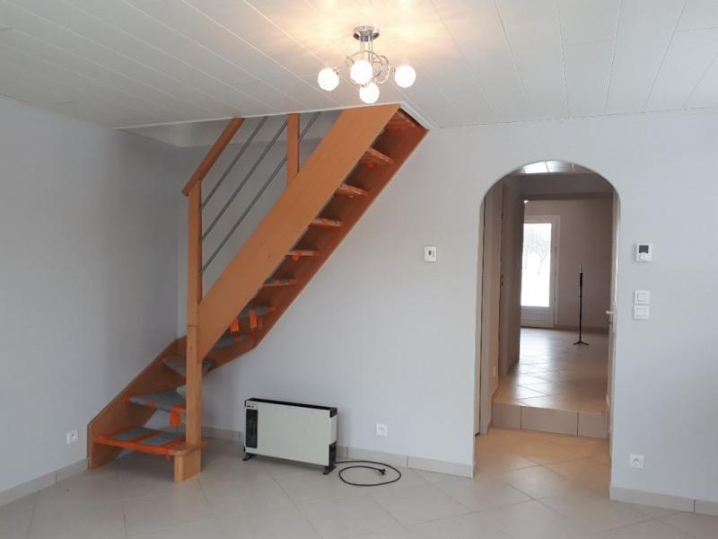 Rental house / villa Montcel 600€ CC - Picture 8