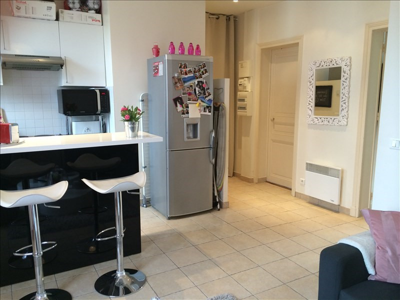 Rental apartment Courbevoie 1 250€ CC - Picture 2