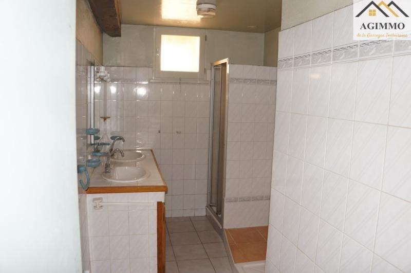 Sale house / villa L isle jourdain 130000€ - Picture 6