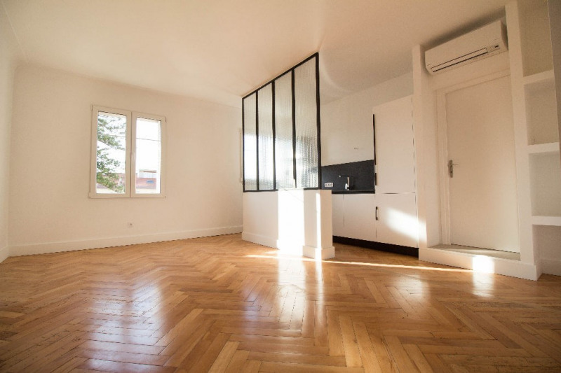 Sale apartment Nice 440000€ - Picture 2