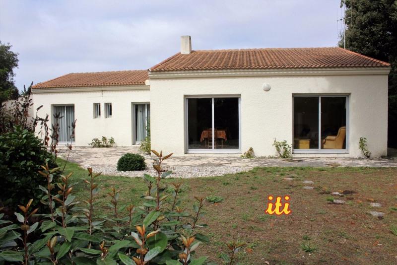 Deluxe sale house / villa Chateau d olonne 624000€ - Picture 1