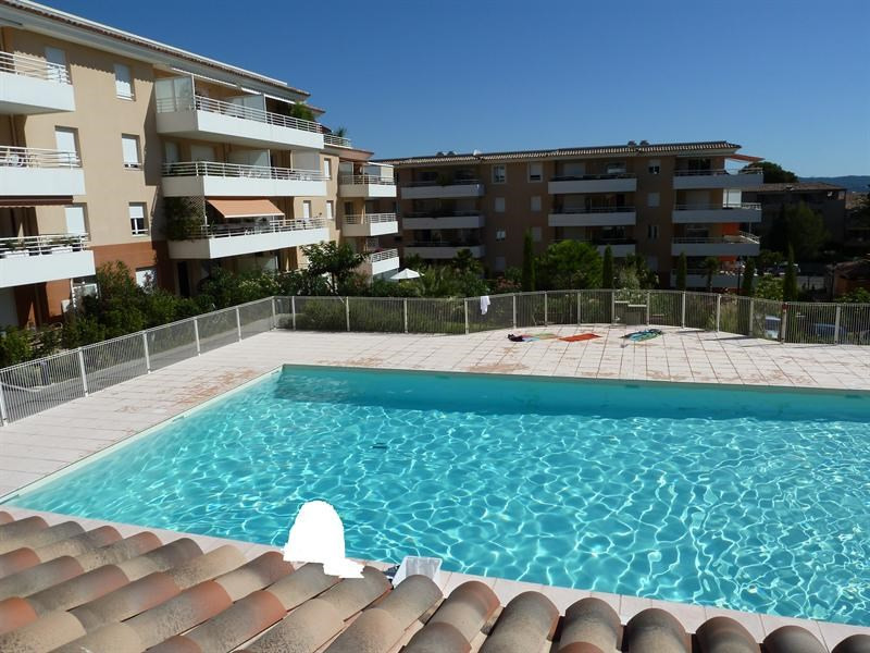 Location vacances appartement Cavalaire 900€ - Photo 1
