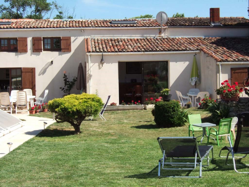Sale house / villa Saint-sulpice-de-royan 380 000€ - Picture 1