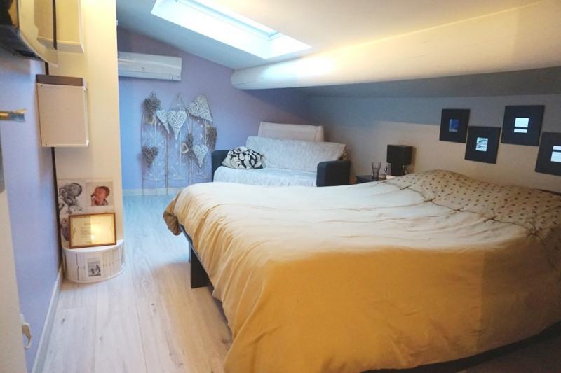 Vente maison / villa Les milles 290000€ - Photo 10