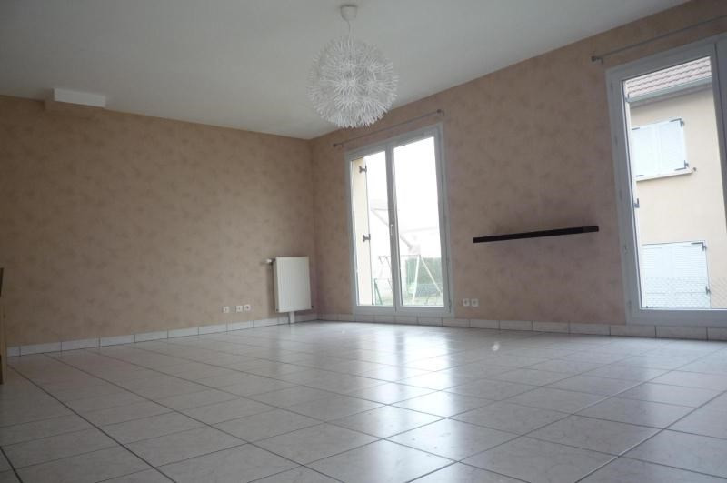 Location maison / villa St apollinaire 965€ CC - Photo 2