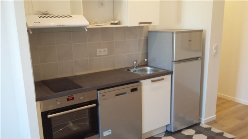 Location appartement Marseille 1er 700€ CC - Photo 2