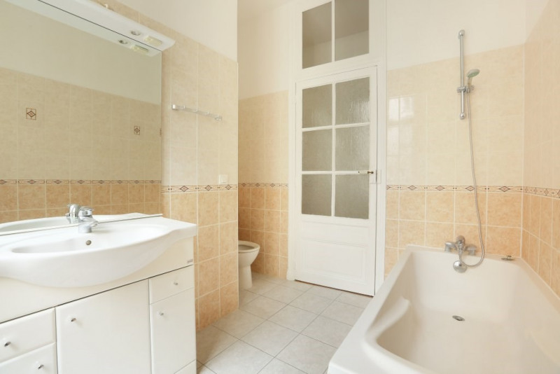 Location appartement Paris 7ème 3 650€ CC - Photo 18