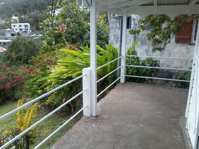 Location maison / villa Vieux fort 724€ CC - Photo 8