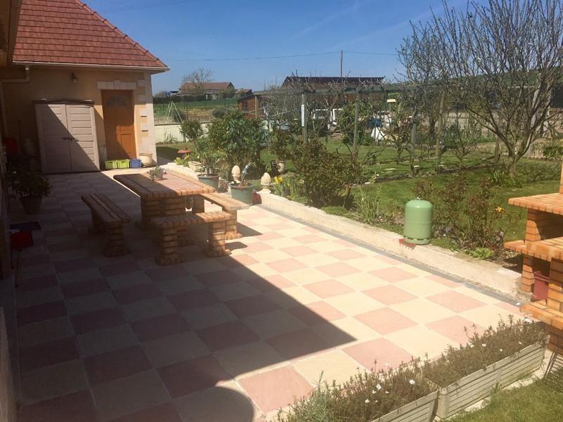 Sale house / villa Bulles 330000€ - Picture 4