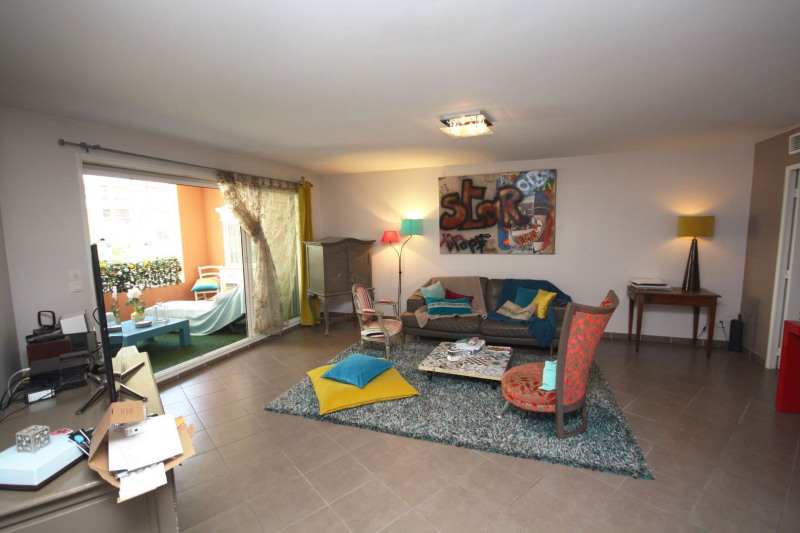 Sale apartment Juan-les-pins 375 000€ - Picture 2