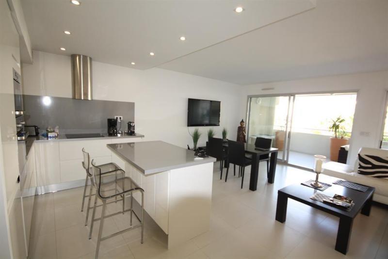 Sale apartment Juan les pins 495000€ - Picture 3
