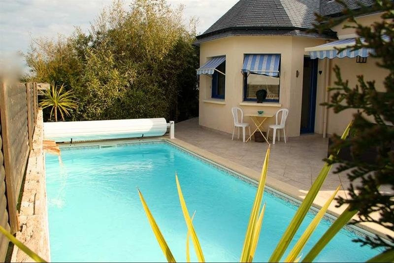 Deluxe sale house / villa Belz 560 000€ - Picture 1