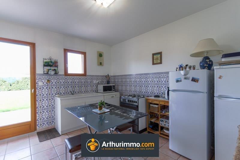 Sale house / villa Morestel 236500€ - Picture 4
