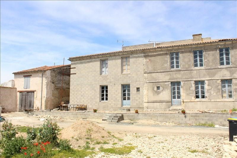 Sale house / villa Thaire 326120€ - Picture 2