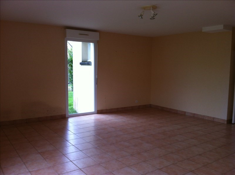 Location maison / villa Crevin 680€ +CH - Photo 4