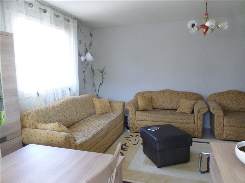 Sale apartment Oyonnax 74500€ - Picture 3